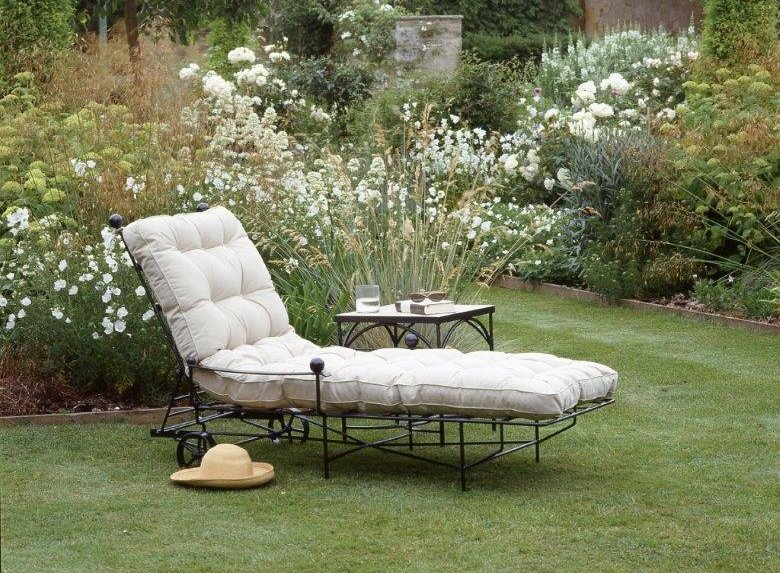 Chaise Longue Buttoned